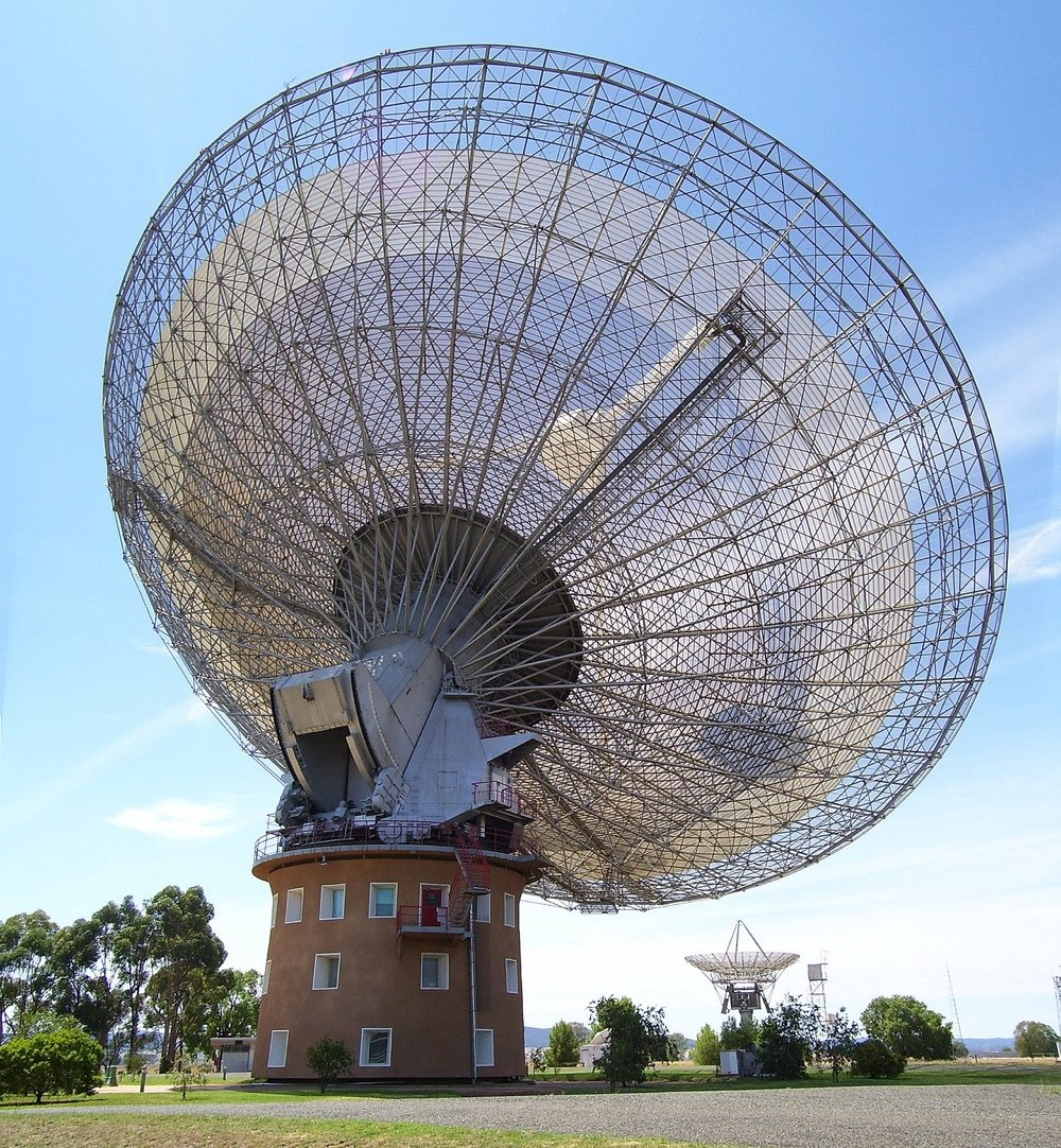 Largest radio telescopes: Parkles (Credits: Stephen West)