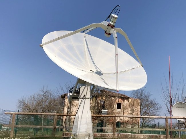 Experiments: solar radio emission with SPIDER radio telescope