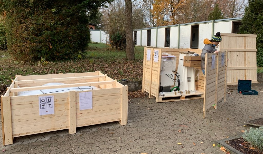 SPIDER 300A radio telescope in Karl Remeis Observatory: shipment boxes