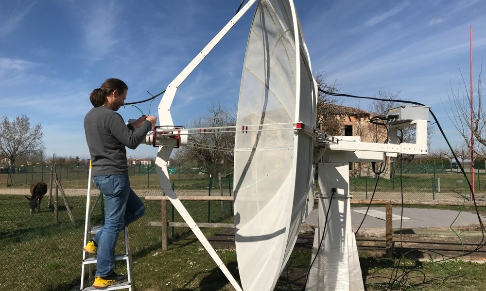 SPIDER 300A installed in Medicina radio telescopes Visitor Center: installation of cables and noise generator for absolute calibration