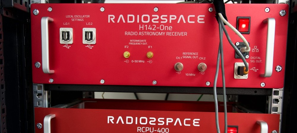 Radio2Space Spectrometer and radiometer low noise receivers