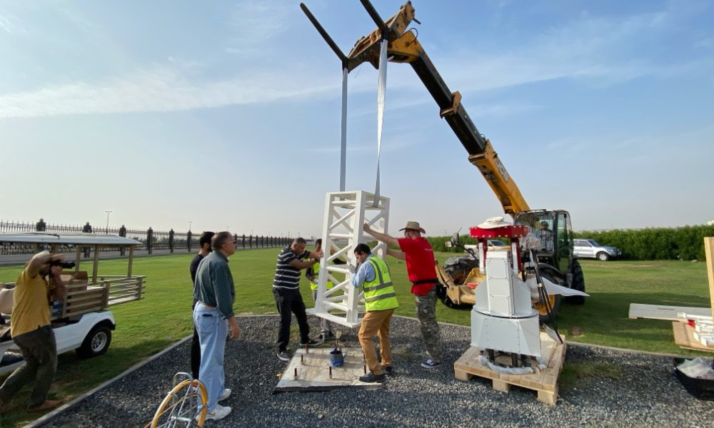 More SPIDER 500A radio telescopes installed in Sharjah Academy for Astronomy, Space Sciences & Technology: installing the C400-HEAVY pier on the concrete base