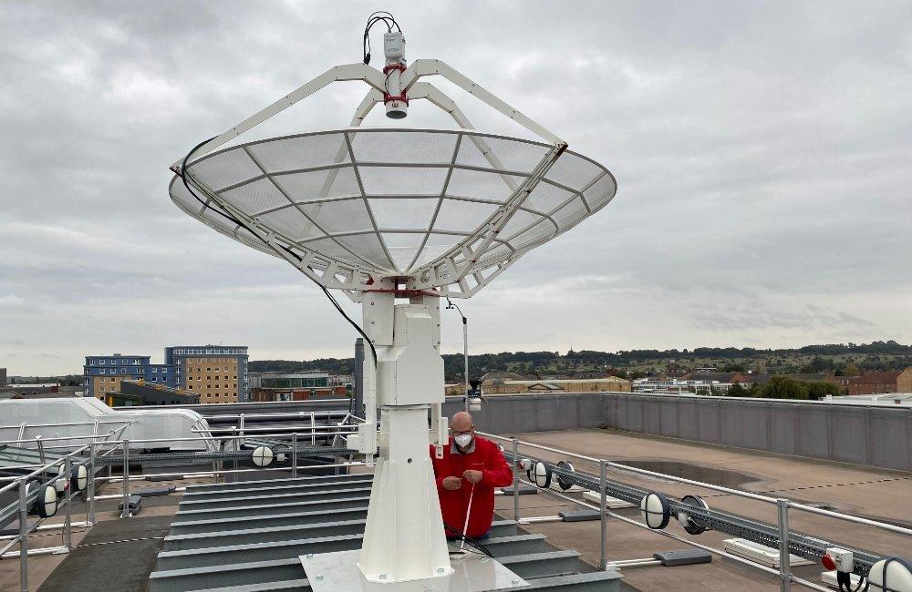SPIDER 300A installato alla Università di Lincoln (UK): preparazione dei cavi di collegamento fino alla sala di controllo