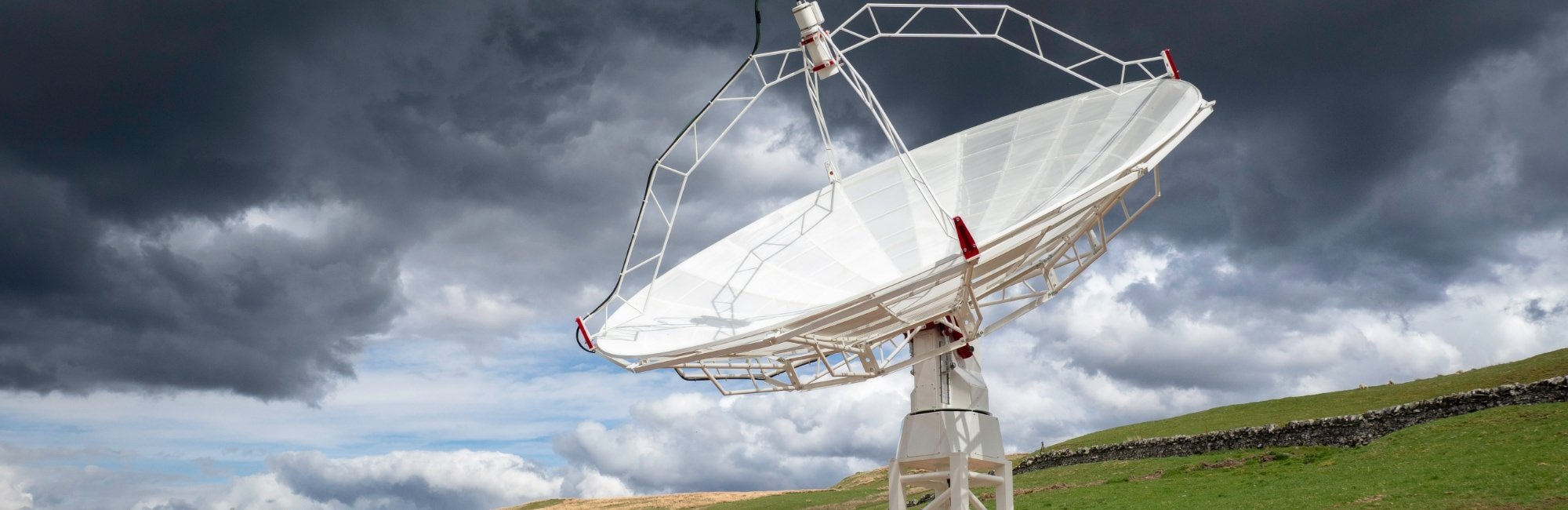 SPIDER 500A 5.0 meter diameter professional radio telescope for radio astronomy