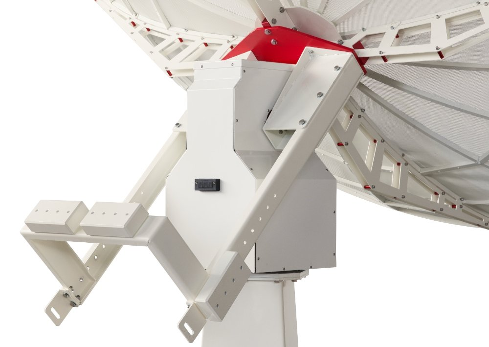 INTREPID 300S 3.0m S-band radio telescope as ground station: GS-100 antenna tracking system